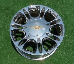 4 Genuine Vogue Rio 17 inch Chrome Gold Wheels Cadillac cts DTS Lincoln Towncar