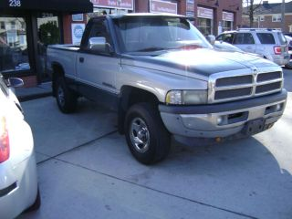 1994 Dodge RAM Pick Up 4x4 for Parts