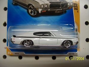 Hot Wheels 2009 HW Premiere Card 70 Buick GSX White