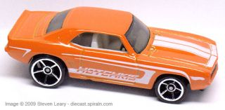 2009 Hot Wheels Muscle Mania 077 69 Camaro Orange 01 10
