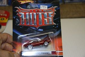 Hot Wheels Ultra Hots 67' Chevy Camaro 12 40 Redline Wheels Red with White Top