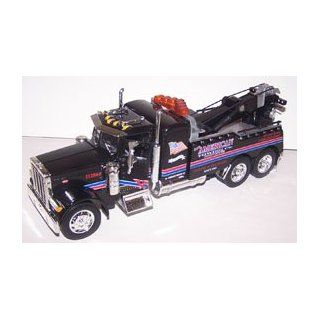 Jada Toys 1/24 Scale Road Rigz Collection Peterbilt Model 379 Tow Truck american in Color Black Toys & Games