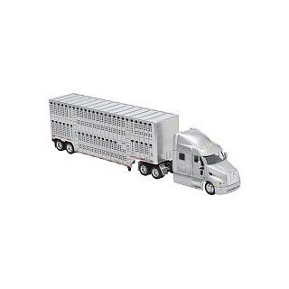 Fast Lane 143 Scale Might Haulers   Peterbilt 387 Tractor Trailer with Livestock Hauler