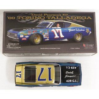 #17 David Pearson Autographed 1969 East Tennessee Ford 1/24 Diecast Car 429 Torino Black Hood Sports & Outdoors